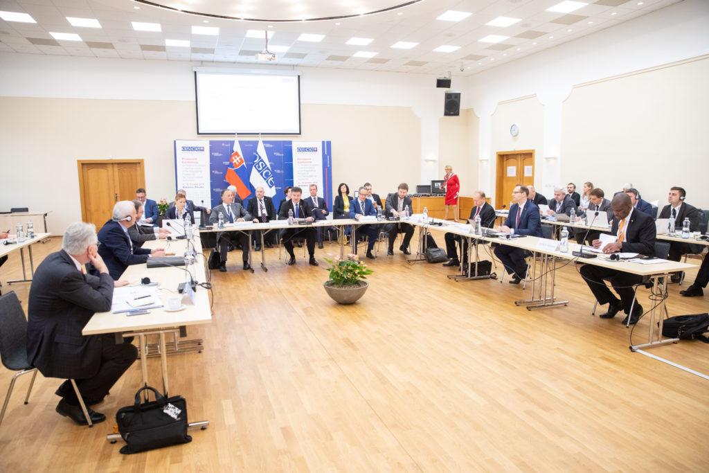Формат «5+2»: Братиславский протокол
