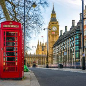 Экстренный рейс Лондон — Кишинёв: перед вылетом врач осмотрит всех пассажиров!